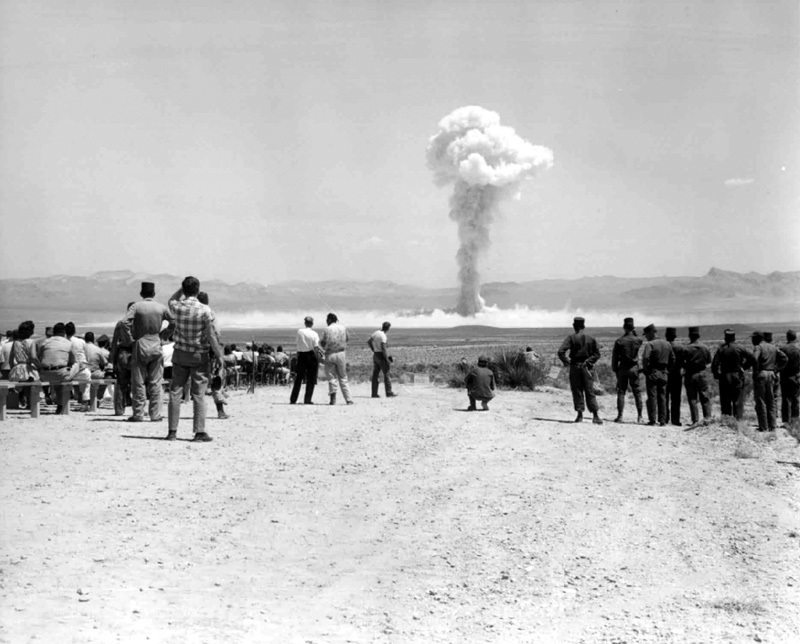 Small_Boy_nuclear_test_1962.jpg